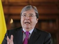 Ministro de Defensa, Carlos Holmes Trujillo, dio positivo para covid La cartera de Defensa confirmó que el funcionario se encuentra bien de salud.